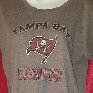 Ladies Size L Tampa Bay Buccaneers Tshirt